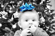 Bigley Photography, Christmas, Christmas photo, holidays, holiday photo, baby, baby photography, Christmas tree, bokeh.  https://www.facebook.com/bigleyphotography