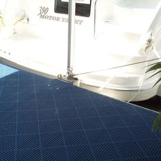 TBT to the 2003 Miami Boat Show and the Sea Ray @searayboats exhibit. Here we see another excellent installation of Blue Dri-Dek behind and inside a Sea Ray 390 Motor Yacht