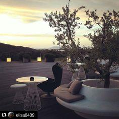 #Repost @elisa0409  La bella vita. #toscana #benessere #tuscany #argentario #golf #luxury #luxuryhotel #designhotel #terrace #panorama #landscape #nature #italy #italia #travel #maremma #maremmadavivere #wellness #wellbeing #relax #sunset #tramonto