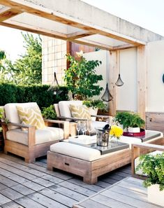 Would look amazing on the back deck Halcyon Style: Outdoor Living: Modern Rustic