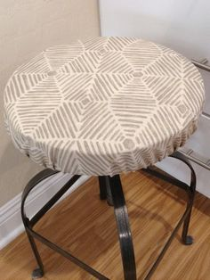 Holiday Print Elasticized Round Barstool Cover Counter