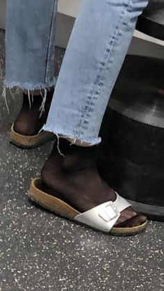 Cork Sandals, Flip Flop Sandals, Flip Flops, In Pantyhose, Nylons, Birkenstock, Dr Scholls Sandals, Ballerinas, Centre