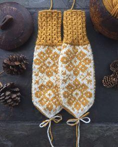 Cowl Scarf, Knit Cowl, Knit Crochet, Mitten Gloves, Mittens, Fair Isle Knitting Patterns, Yarn Projects, Knitting Socks, Monogram
