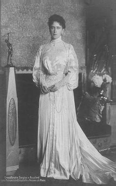 Grand Duchess Ella Feodorovna, nee Princess Elisabeth of Hesse. Alexandra Feodorovna, Adele, Queen Victoria Family, Grand Duc, House Of Romanov, Princess Alexandra, Princess Elizabeth, Princess Alice, Tsar Nicholas Ii
