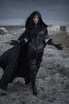 Yennefer of Vengerberg cosplay by madam_b More of this cosplay: http://forums.cdprojektred.com/threads/32362-Yennefer-of-Vengerberg-cosplay-by-madam_b