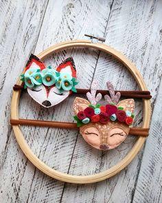 Цветной фетр для рукоделия | Идеи, выкройки Felt Crafts Diy, Sewing Crafts, Arts And Crafts, Handmade Felt, Handmade Crafts, Felt Hair Accessories, Bow Pattern, Felt Brooch, Felt Toys
