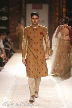 Anju Modi at Lakme Fashion Week 2014 Indian Men Fashion, India Fashion, Mens Fashion, Fashion Outfits, Royal Fashion, Indian Groom Wear, Indian Wear, Indian Male, Indian Ethnic
