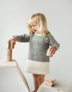 Super Ideas For Crochet Baby Clothes Fall Knit Baby Dress, Crochet Baby Clothes, Baby Cardigan, Baby Outfits, Little Girl Dresses, Knitting For Kids, Baby Knitting, Crochet Girls, Knit Crochet