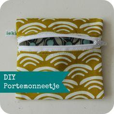By MiekK: Tutorial: Portemonneetje Naaien Diy Wallet Chain, Diy Wallet Easy, Fabric Wallet, Fabric Bags, Sewing Tutorials, Sewing Projects, Sewing Patterns, Tutorial Sewing, Fabric Patterns