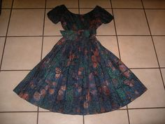 VINTAGE 1950'S BOMBSHELL  FULL PLEATED ALFRED SHAHEEN HAWAIIAN DRESS…