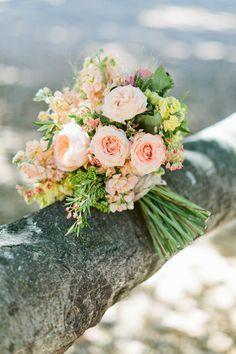 peach rose bouquet by belle–flower http://www.weddingchicks.com/2013/10/28/soft-and-sweet-wedding/