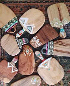 Wooden Spoon Crafts, Wooden Food, Wooden Decor, Wooden Spoons, Chopping Boards, Cutting Board, Wooden Painting, Foyer Design, Paper Crafts