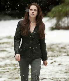 Bella Cullen (=vampire)