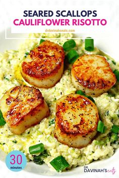 A quick, keto-friendly and grain-free recipe for seared scallops and parmesan cauliflower rice risotto. Includes tips to properly sear scallops and make risotto without grains. This quick meal takes 3 Fish Recipes, Seafood Recipes, Keto Recipes, Cooking Recipes, Healthy Recipes, Healthy Scallop Recipes, Dinner Recipes, Bread Recipes, Chicken Recipes