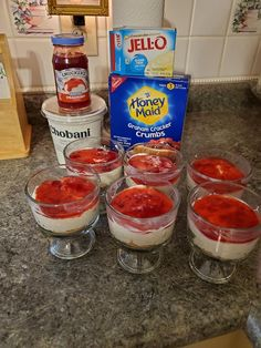 Jan 2020 - With the holidays in full swing you will need to have lots of Weight Watchers Low point Snacks on hand! Here are a few tried and true Weight Watchers Low point Snacks that some of my weight w… Weight Watcher Desserts, Weight Watchers Snacks, Weight Watchers Cheesecake, Plats Weight Watchers, Weight Loss Meals, Weight Watchers Motivation, Weight Warchers, Lifting Motivation, Appetizers