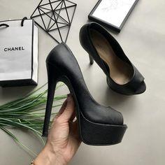 Шикарные чёрные туфли на высоком каблуке с открытым носком  босоножки New  Look 092f9b20e3f7a
