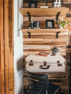 6 Crazy Tips and Tricks: Rustic Backdrop Lanterns rustic signs hunting. Rustic Cafe, Rustic Restaurant, Rustic Desk, Rustic Doors, Rustic Wall Decor, Rustic Industrial, Rustic Nursery, Rustic Signs, Rustic Office