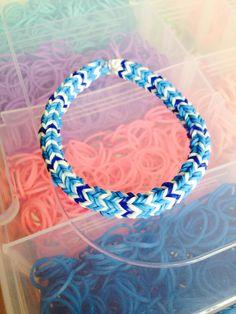 Rainbow Loom Bracelet Quadfish using the Monster Tail Teal White Navy Blue Jelly