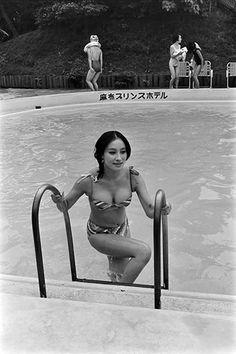 Model Poses Photography, Japanese Girlfriend, Prity Girl, Cute Bikinis, Ebony Women, Bathing Beauties, Japanese Beauty, Photos Of Women, Japanese Culture