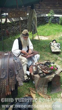 Opincar la Muzeul Satului Firewood, Outdoor Decor, Crafts, Home Decor, Pictures, Homemade Home Decor, Crafting, Diy Crafts, Craft