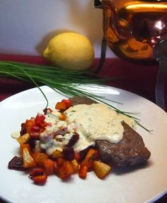 Naudan ulkofileepihvi uunijuuresten ja yrttikermakastikkeen kera / Beef sirloin steak with oven baked root vegetables and herb cream sauce Sirloin Steaks, Joko, Root Vegetables, Oven Baked, Herbs, Meat, Baking, Nice, Breakfast