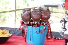 Hello Kitty Themed Birthday Party   CatchMyParty.com