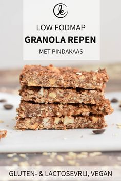 Low FODMAP granola bars with peanut butter. A yummy and healthy low FODMAP snack to take with you on the go. Also gluten-free, lactose-free and vegan. No bake Granola Bars Peanut Butter, Homemade Granola Bars, Healthy Vegan Snacks, Healthy Baking, Eating Healthy, Healthy Dishes, Easy Snacks, Healthy Meals, Fodmap Recipes