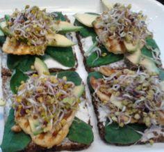 Organic Cafe Triyoga - great good tasting raw food - recipes here on their blog