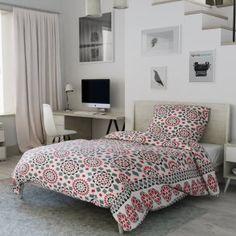 Flanelové povlečení šedé černé červené ornamenty geometrické vzory skandinávský Comforters, Blanket, Bed, Mandala, Furniture, Home Decor, Creature Comforts, Quilts, Decoration Home