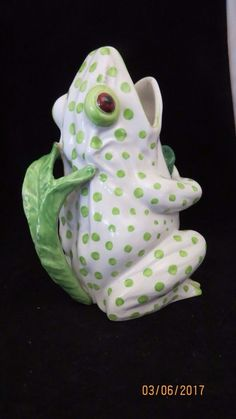 MOTHER'S DAY--GREEN AND WHITE POLKA DOT FROG PITCHER