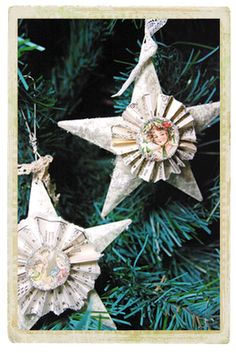 Cute Ornaments....you could add a grandchild's face or vintage relative's photo in the center...