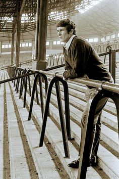 Ron Yates on the Kop at Anfield 1970 Liverpool Football Club, Liverpool Fc, Tranmere Rovers, Bill Shankly, British Football, Cardio Machines, Football Stadiums, Health Club, Soccer