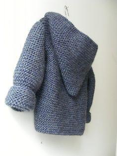 Hooded baby jacket designed by Mme Bottedefoin. Free pattern.