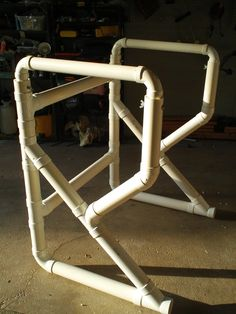 Pvc Pipe Projects - Bing Images-With a top, might work for treadmill desk! Hooray, walk while surfing.