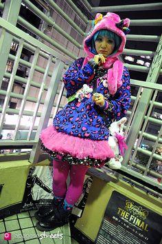 Nihei  shibuya, tokyo  WINTER 2012, girls  Kjeld Duits    FACTORY WORKER, 35  st4192 @ twitter