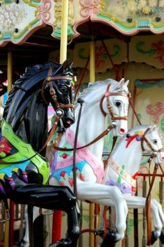 Old, Working Carousel Horses.I want a carousel horse :-) Pretty Horses, Beautiful Horses, Beautiful Things, Merry Go Round Carousel, Carosel Horse, Wooden Horse, Painted Pony, Horse Art, Creatures