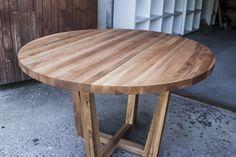 Круглый стол из масссива, дерево, дерево в интерьере, массив, изделия из дерева, изделия из массива, Бигвуд