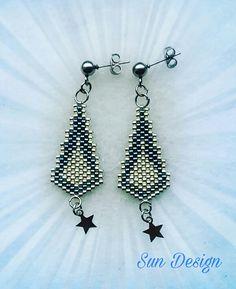 Seed Bead Jewelry, Seed Bead Earrings, Diy Jewelry, Beaded Jewelry, Beaded Earrings, Peyote Patterns, Beading Patterns, Diy Earring Holder, Stud Earrings