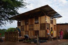 Proyecto Chacras; bitácora de una vivienda emergente productiva #Ecuador  Más info y fotos: