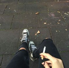 ѕιмρℓιςιту ιѕ тнє υℓтιмαтє ѕσρнιѕтιςαтισи Alcohol Aesthetic, Bad Girl Aesthetic, Aesthetic Grunge, Smoke Photography, Boy Photography Poses, Cigarette Aesthetic, Smoke Pictures, Girl Smoking, Aesthetic Wallpapers