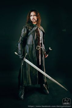Character:  Aragorn II Elessar  Movie: The Lord of the Rings  Photog:  丹尼