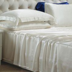 Marfil, Nuestras sábanas encimeras de #seda se han fabricado con la mejor seda de #morera de #19 mm, que es hermosa, suave y lujosa. Se puede ajustar de forma natural a la temperatura del cuerpo, es resistente al polvo y te brinda un sueño maravilloso. De: https://www.oosilk.com/es/silk-flat-sheets-c.html