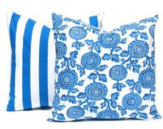 Azul cobalto almohada cubierta azul geométrica por GigglesOfDelight
