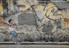 Free things to do in Penang: A photo guide to the street art in George Town, created by artist Ernest Zacharevic. Art And Illustration, Graffiti Kunst, Street Art Graffiti, Urbane Kunst, Land Art, Best Street Art, Outdoor Art, Street Artists, Art Design