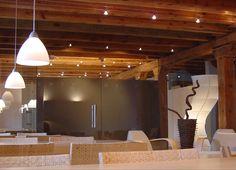 #Restaurante #moderno #contract via @planreforma #techo #mesas de comedor…