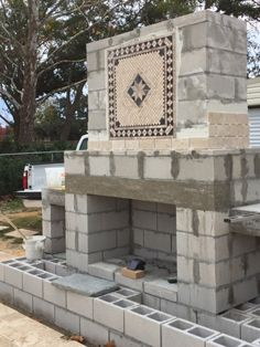 Build Outdoor Fireplace, Outdoor Stone Fireplaces, Outdoor Fireplace Designs, Backyard Fireplace, Diy Fireplace, Fire Pit Backyard, Backyard Pavilion, Backyard Patio Designs, Backyard Projects