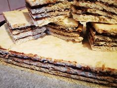 It is a delicious cake, traditional in Romania For sheets: - grams flour - 3 eggs - 9 tablespoons sugar - 9 tablespoons oil - 9 tablespoons milk - 2 . Gram Flour, Traditional Cakes, Cake Youtube, Sifted Flour, Vanilla Sugar, Yummy Cakes, Cocoa, Make It Yourself, Rome