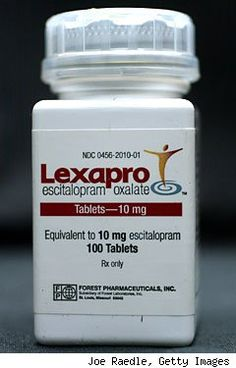 Lexapro is an SSRI proven effective in the treatment of depression and generalized anxiety disorder. Learn more about this medication and its uses. Prayer For Depression, Herbs For Depression, Depression Facts, Social Anxiety Medication, Best Medication For Depression, Medications For Anxiety, Anxiety Treatment, Depression Treatment, Anti Anxiety Herbs