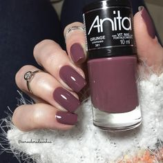 #bomdia amoras lindas 💕 com que esmalte vocês estão hoje?! 💅🏻 Grunge - lançamento @anitaesmaltes ✨ . #exroedoradeunhas #anita… Stylish Nails, Trendy Nails, Gel Nail Art, Acrylic Nails, Nail Nail, Nails Tumblr, Hot Nails, Nagel Gel, Nail Polish Colors