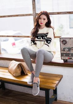 [Chuu] Wave Knit Sweater